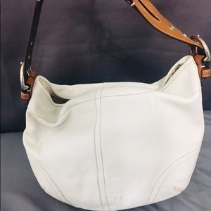 White Leather Coach Handbag No. M04S-3651